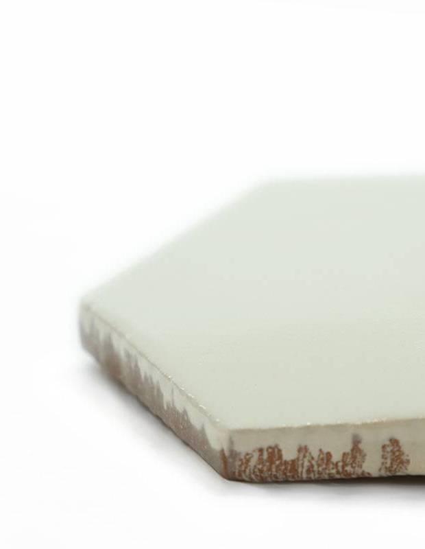 carrelage hexagonal mural blanc ivoire style artisanal. Black Bedroom Furniture Sets. Home Design Ideas